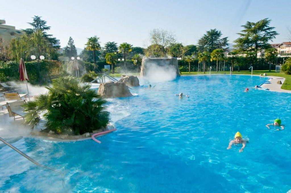 Piscine termali hotel all 39 alba for Abano terme piscine