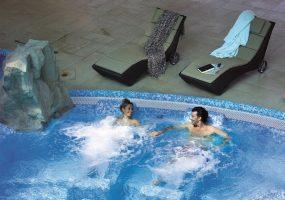 hotel-alba-piscina-idromassaggio
