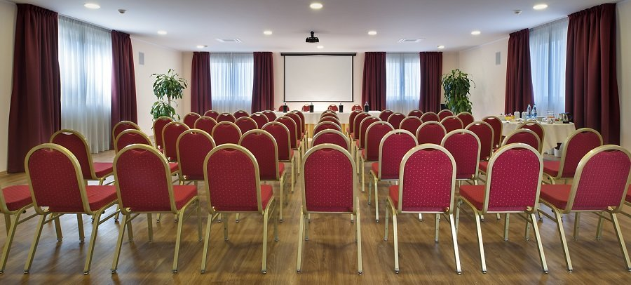 sala-congressi-hotel-alba