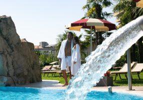 Cascata Cervicale - Piscina esterna - Hotel All'Alba