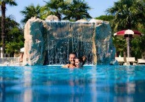 Piscina esterna cascata - Hotel All'Alba